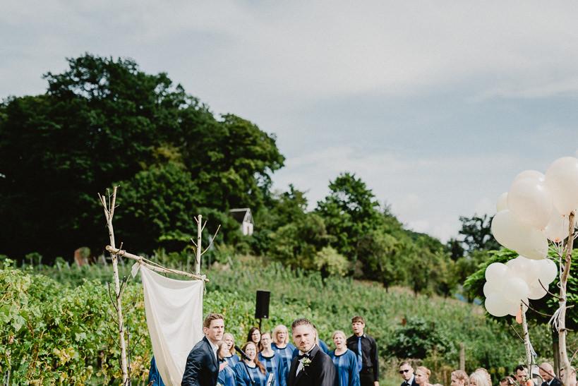 Hochzeitsfotograf Dresden Radebeul Weingut Drei Herren Julius Kost 010 Isa & Friedi - Hochzeit mit freier Trauung im Weinberg Willsdruff, Weingut, Radebeul, Gästehaus Hoflößnitz, Drei Herren
