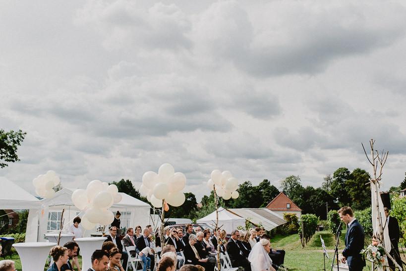 Hochzeitsfotograf Dresden Radebeul Weingut Drei Herren Julius Kost 018 Isa & Friedi - Hochzeit mit freier Trauung im Weinberg Willsdruff, Weingut, Radebeul, Gästehaus Hoflößnitz, Drei Herren