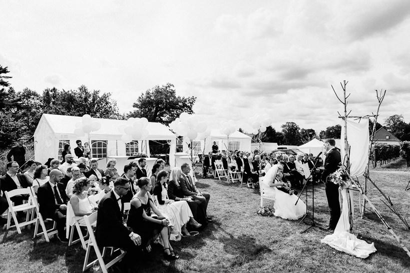 Hochzeitsfotograf Dresden Radebeul Weingut Drei Herren Julius Kost 019 Isa & Friedi - Hochzeit mit freier Trauung im Weinberg Willsdruff, Weingut, Radebeul, Gästehaus Hoflößnitz, Drei Herren