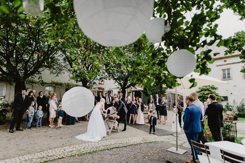 Hochzeitsfotograf Dresden Radebeul Weingut Drei Herren Julius Kost 065 Isa & Friedi - Hochzeit mit freier Trauung im Weinberg Willsdruff, Weingut, Radebeul, Gästehaus Hoflößnitz, Drei Herren